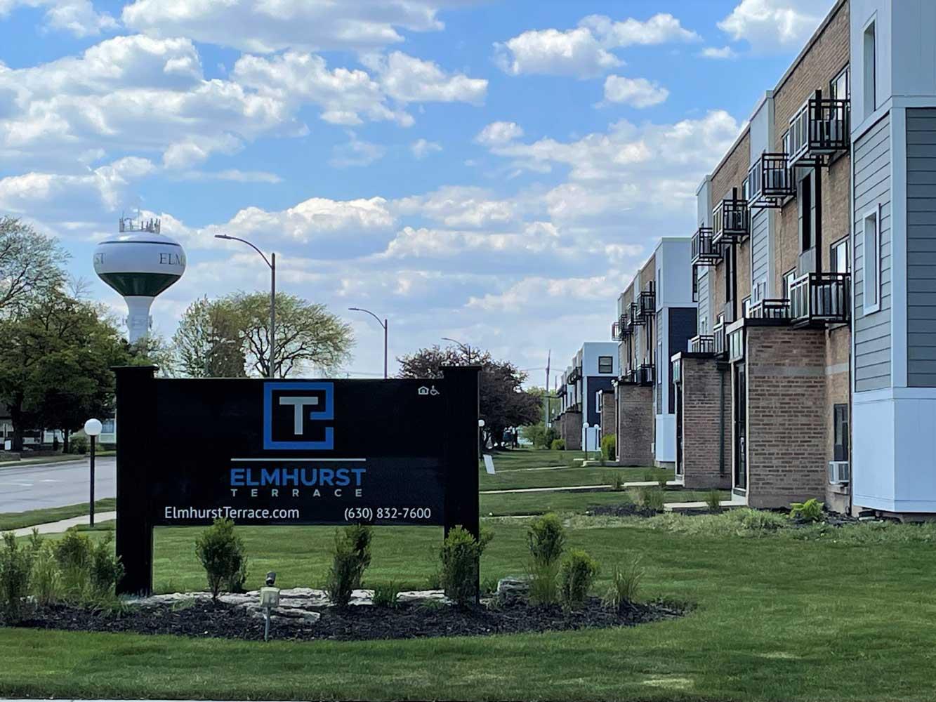 On-Site Management Available at Elmhurst Terrace Apartments in Elmhurst, Illinois