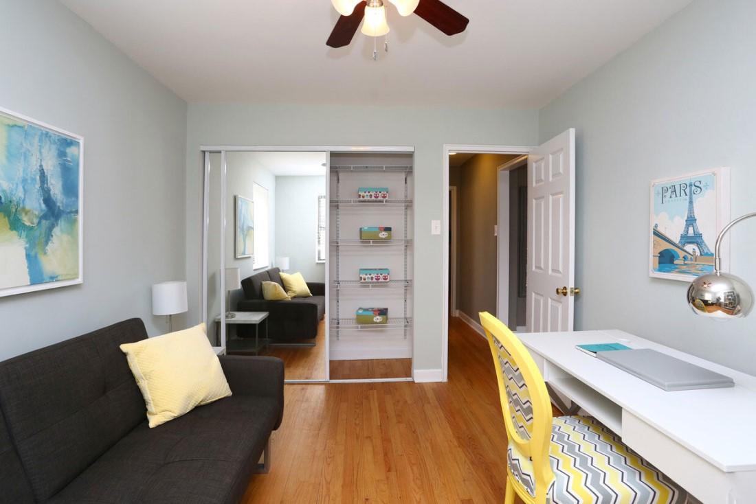 Studio Apartments for Rent at Elmhurst Terrace Apartments in Elmhurst, Illinois