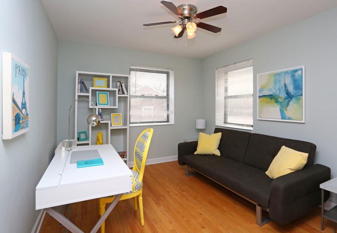 One-Bedroom Floor Plans at Elmhurst Terrace Apartments in Elmhurst, Illinois