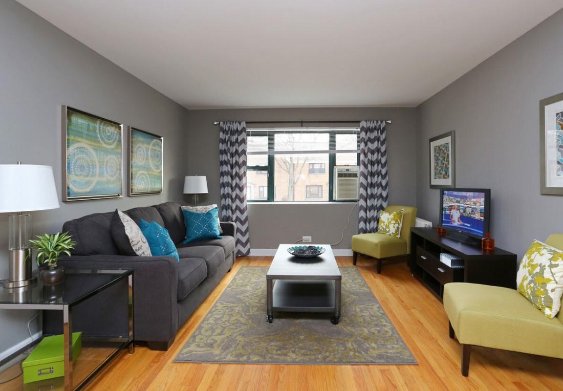 Large Living Areas at Elmhurst Terrace Apartments in Elmhurst, Illinois