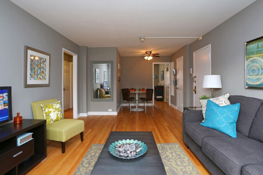 Newly Renovated Apartments at Elmhurst Terrace Apartments in Elmhurst, Illinois