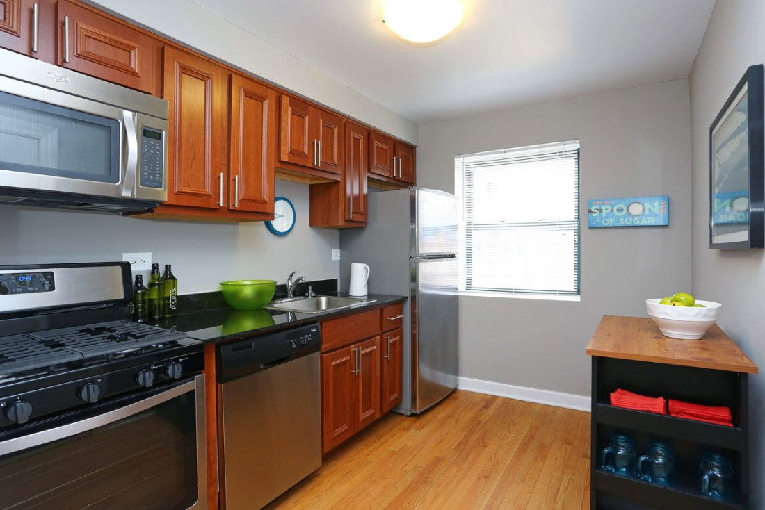 Fully-Equipped Kitchens at Elmhurst Terrace Apartments in Elmhurst, Illinois