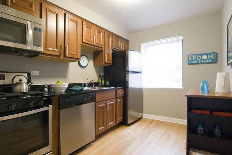 Spacious Kitchens at Elmhurst Terrace Apartments in Elmhurst, Illinois
