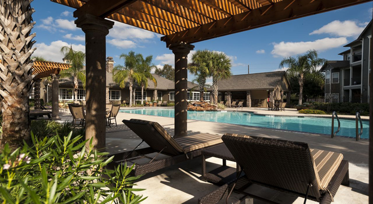 Sparkling Pool at The Enclave at Woodbridge Apartments in Sugar Land, TX