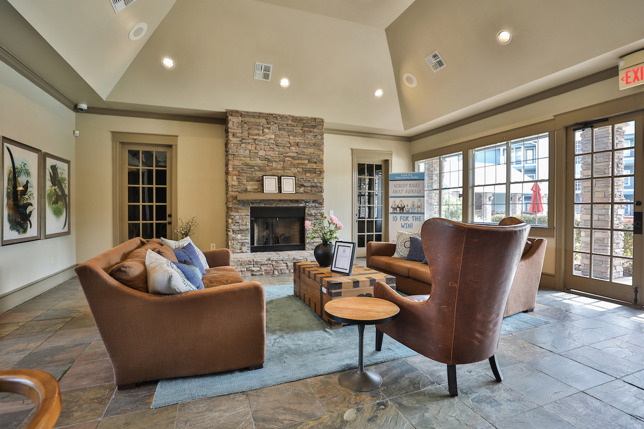 Resident Lounge at The Enclave at Woodbridge Apartments in Sugar Land, TX