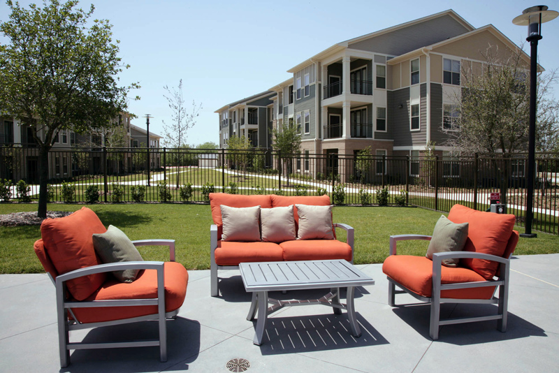 Lounge Seating at Encore on Alsbury Apartments in Burleson, TX