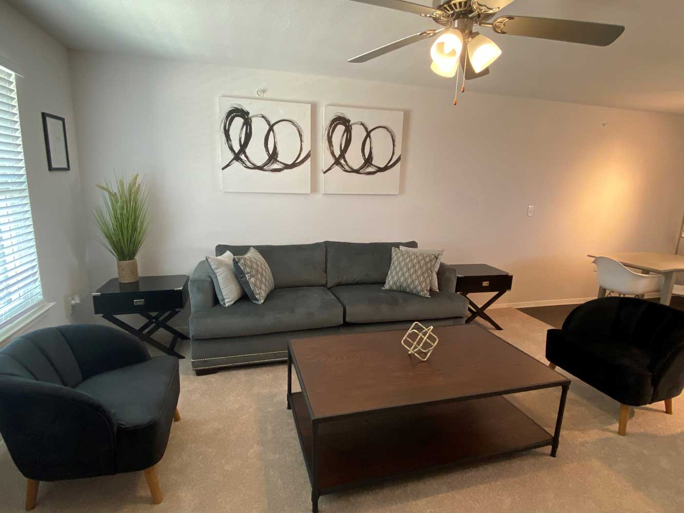 Spacious Living Room at Esperanza at Queenston Apartments in Houston, Texas