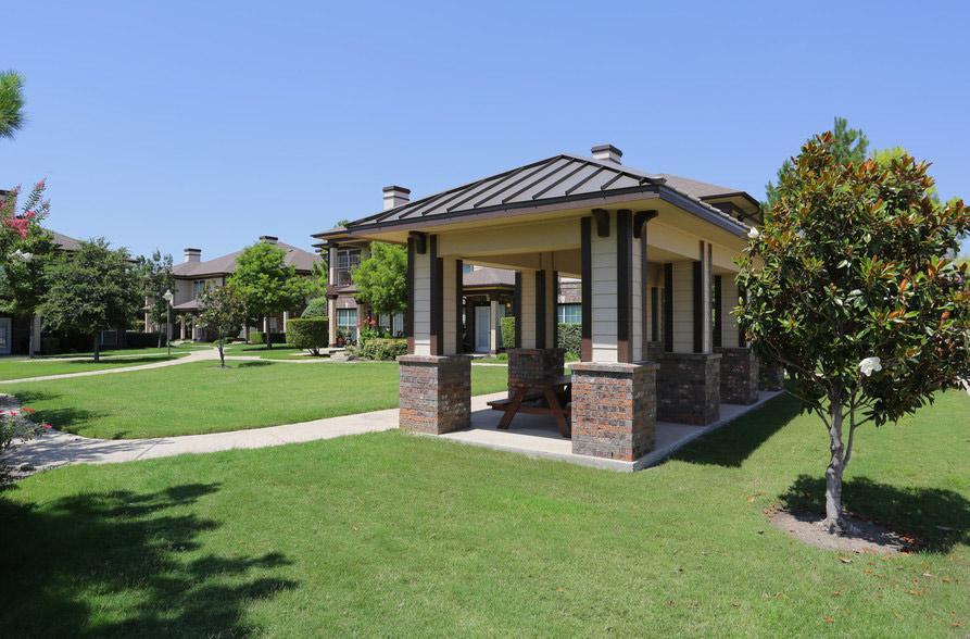 Exterior of Estate Villas at Krum Apartments in Krum, TX