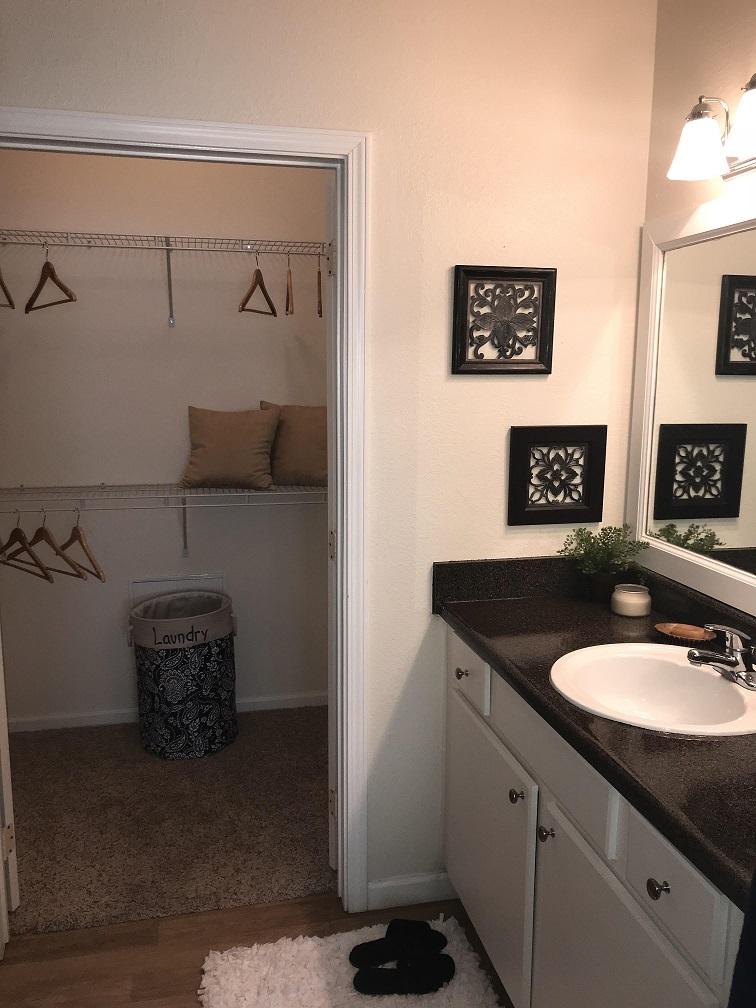 Large Vanities at Oxford at Estonia Apartments in San Antonio, TX