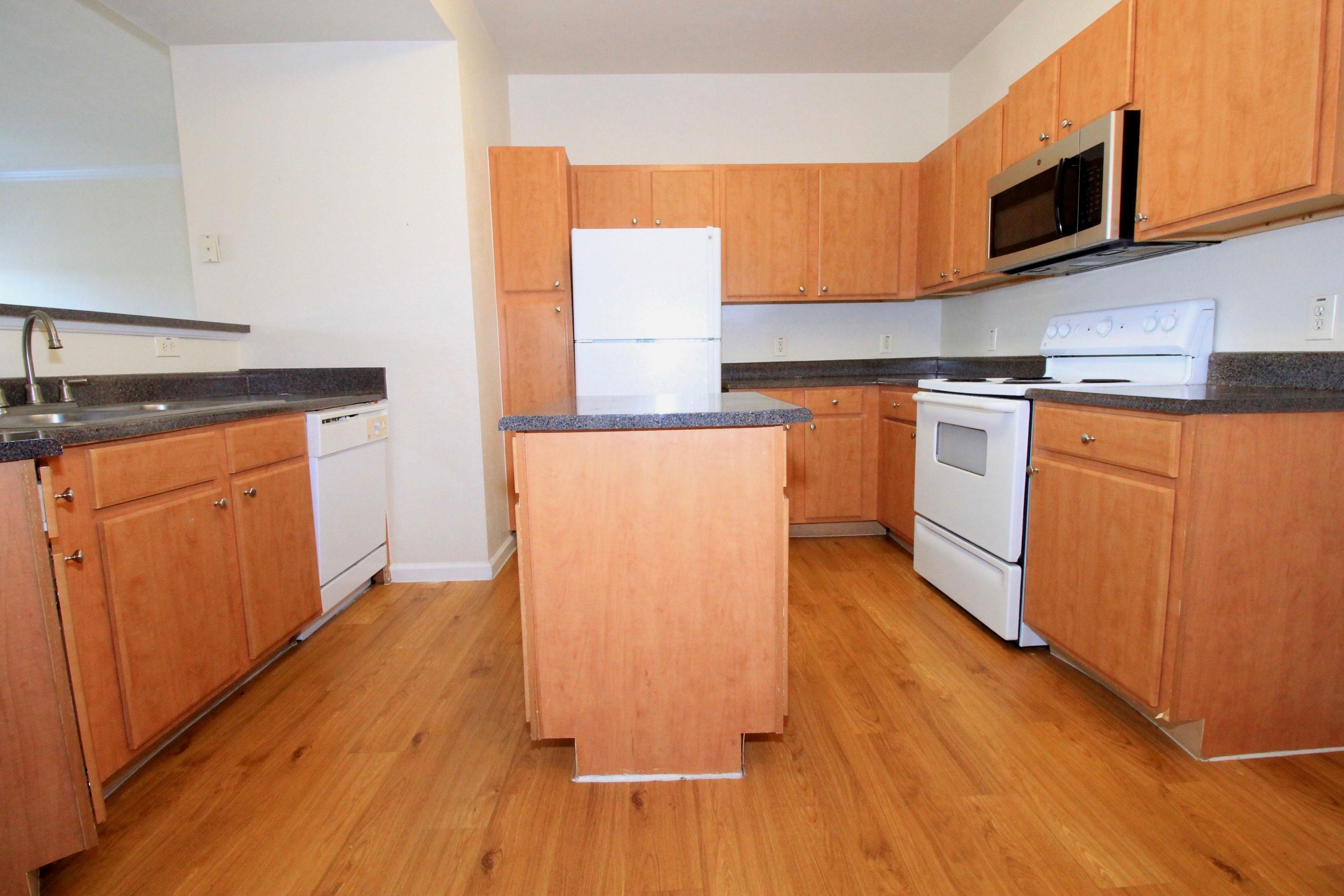 Kitchen Classic Upgrade at The Oxford at Estonia Apartments in San Antonio, TX