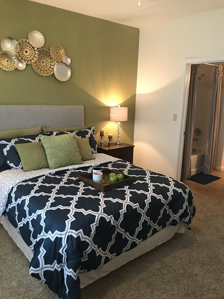 Cozy Bedrooms at Oxford at Estonia Apartments in San Antonio, TX