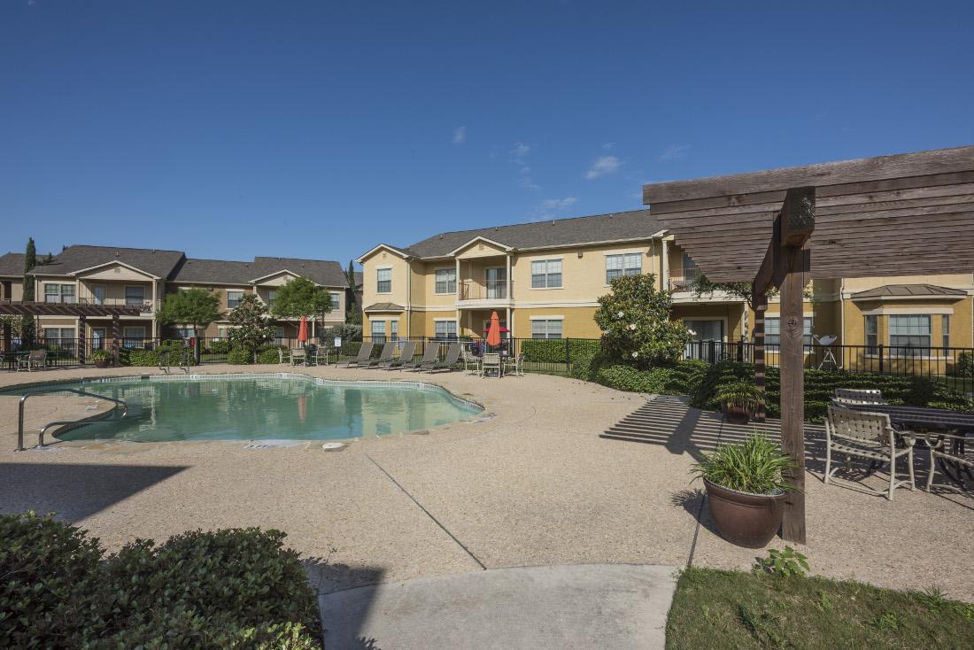 Sparkling Pool at the Oxford at Estonia Apartments in San Antonio, TX