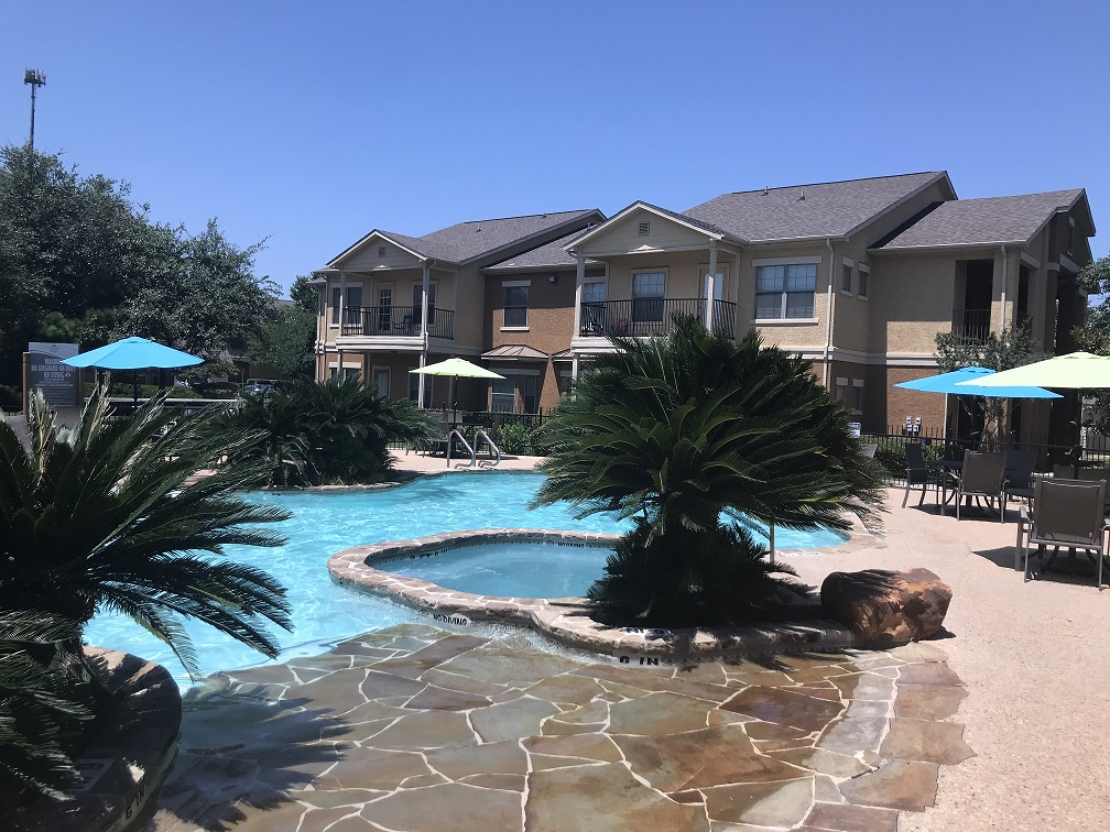 Resort-Style Pool at Oxford at Estonia Apartments in San Antonio, TX
