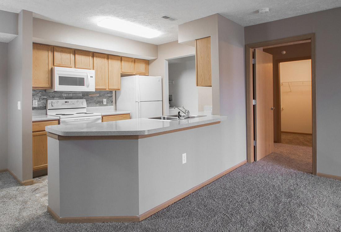 Laminated Kitchen Countertops at Fairfax Apartments in Omaha, Nebraska