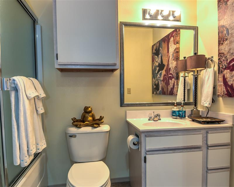 Modern Bathrooms at Fairways at Lincoln Apartments in Lincoln, Nebraska