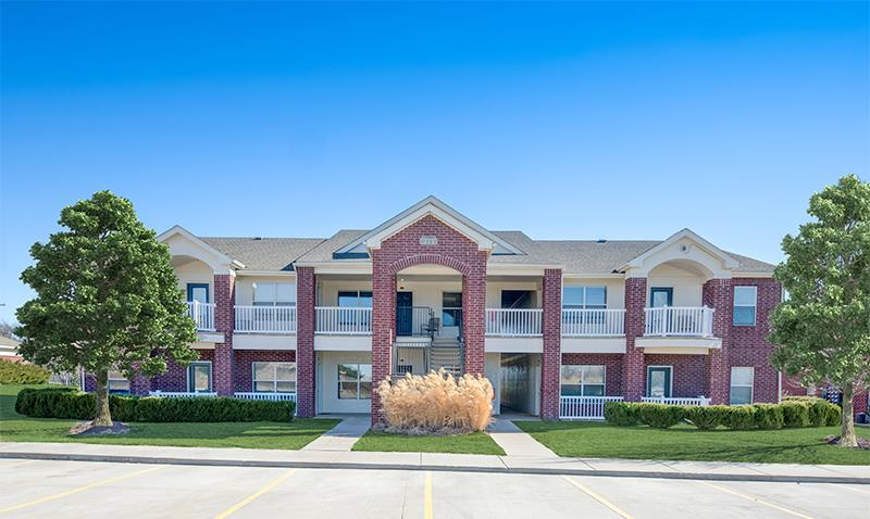 Lincoln Apartment Rentals at Fairways at Lincoln Apartments in Lincoln, Nebraska