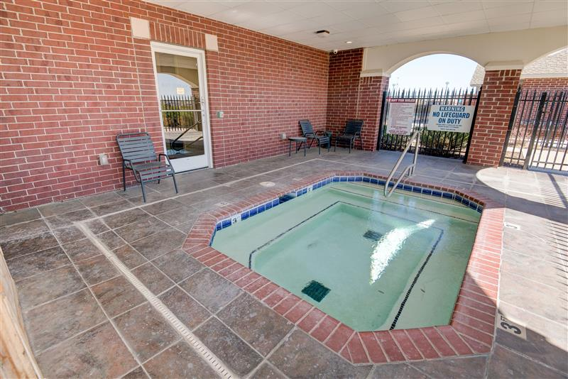 Whirlpool Jacuzzi at Fairways at Lincoln Apartments in Lincoln, Nebraska