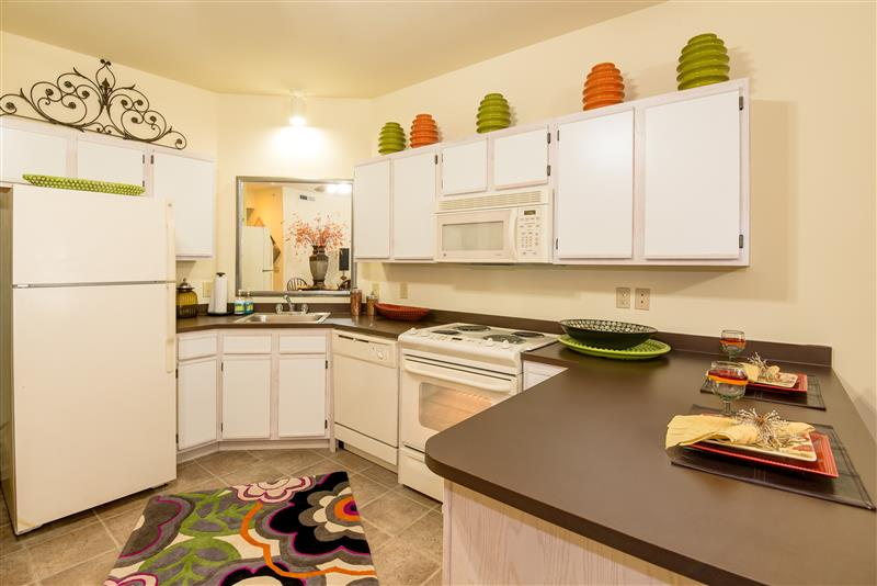 Fully Equipped Kitchens at Fairways at Lincoln Apartments in Lincoln, Nebraska