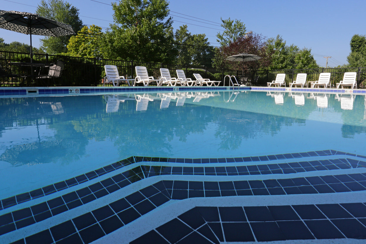 Swimming Pool at Falcon Crest Apartments in Louisville, Kentucky
