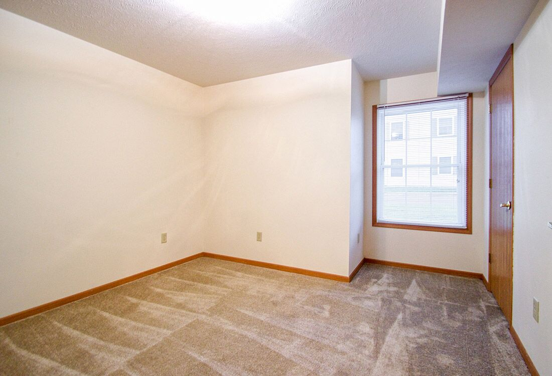 Plush Carpeting at Fieldstone Place Apartments in Lincoln, NE