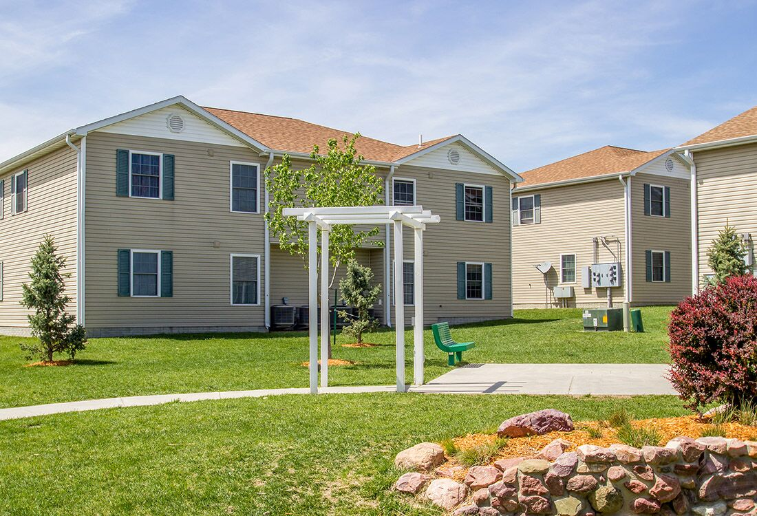Pet-Friendly Apartments at Fieldstone Place Apartments in Lincoln, NE