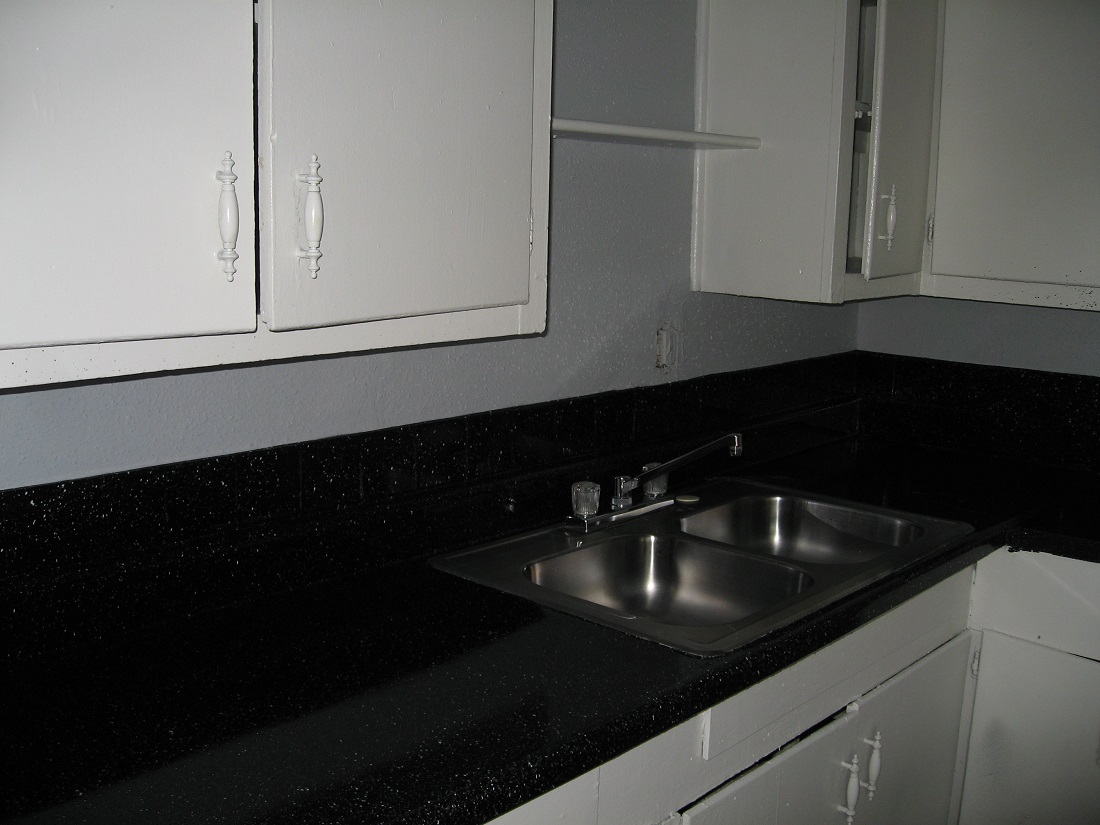 Double Kitchen Sink at The Five Points at Texas Apartments in Texas City, Texas