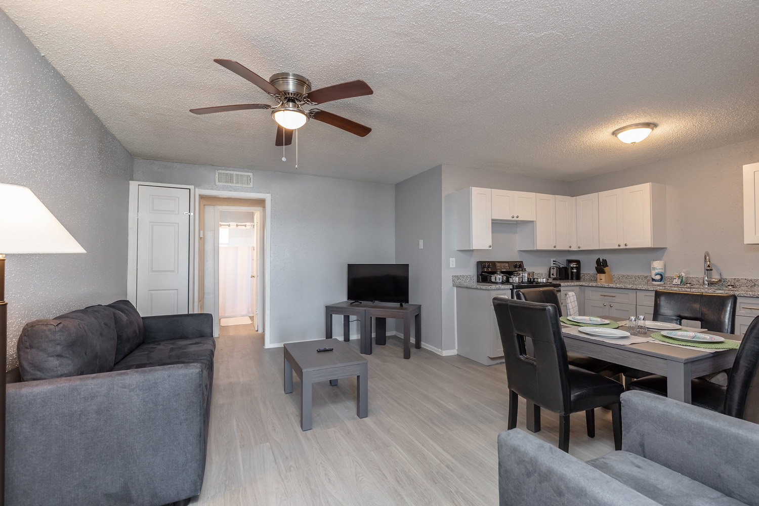 Professional Management at The Five Points at Texas Apartments in Texas City, Texas