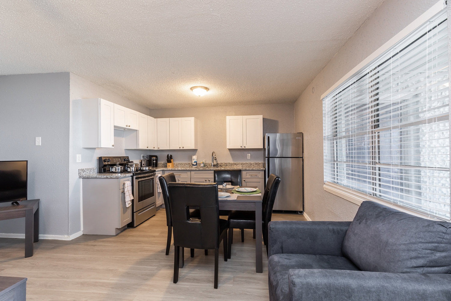 Fully Equipped Kitchen at The Five Points at Texas Apartments in Texas City, Texas