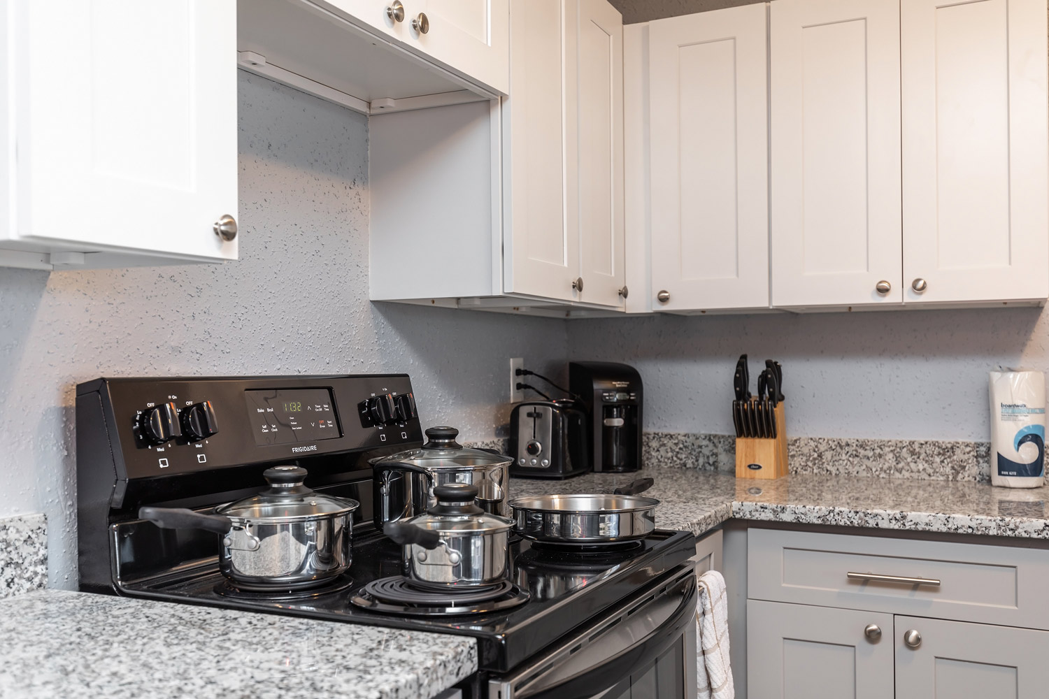 View of the Kitchen at The Five Points at Texas Apartments in Texas City, Texas