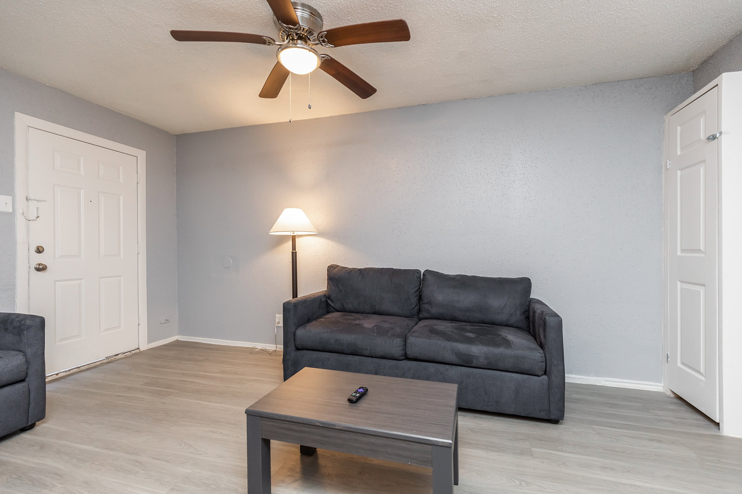 Room with Ceiling Fan at The Five Points at Texas Apartments in Texas City, Texas