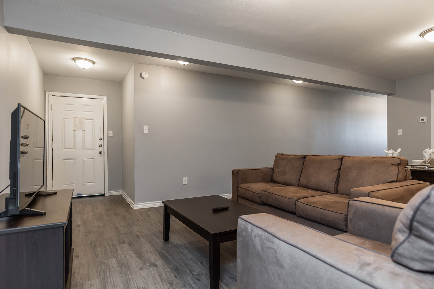 Lounge Area at The Five Points at Texas Apartments in Texas City, Texas