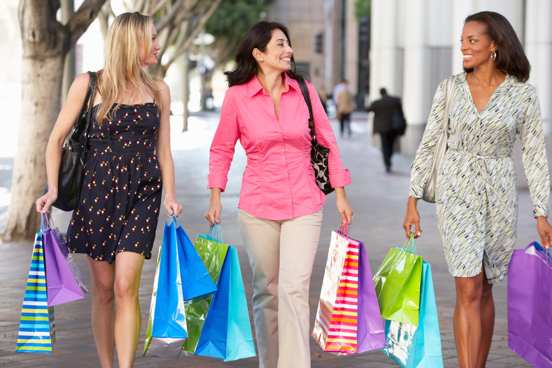 Be close to shopping @ Fleur Apartments in Baton Rouge, LA