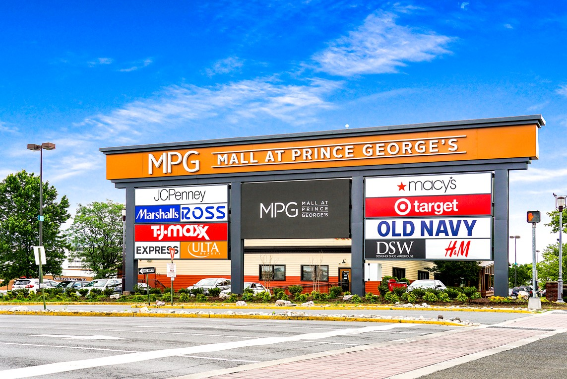 15 minutes to The Mall at Prince George's