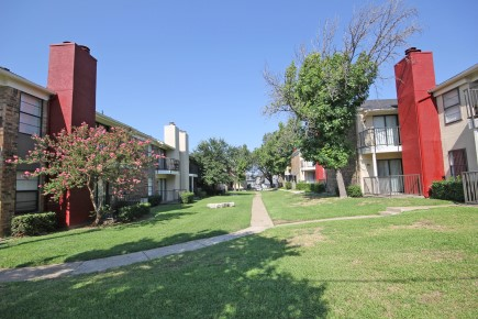 Open Green Spaces at Forest Cove Apartments in Dallas, Texas