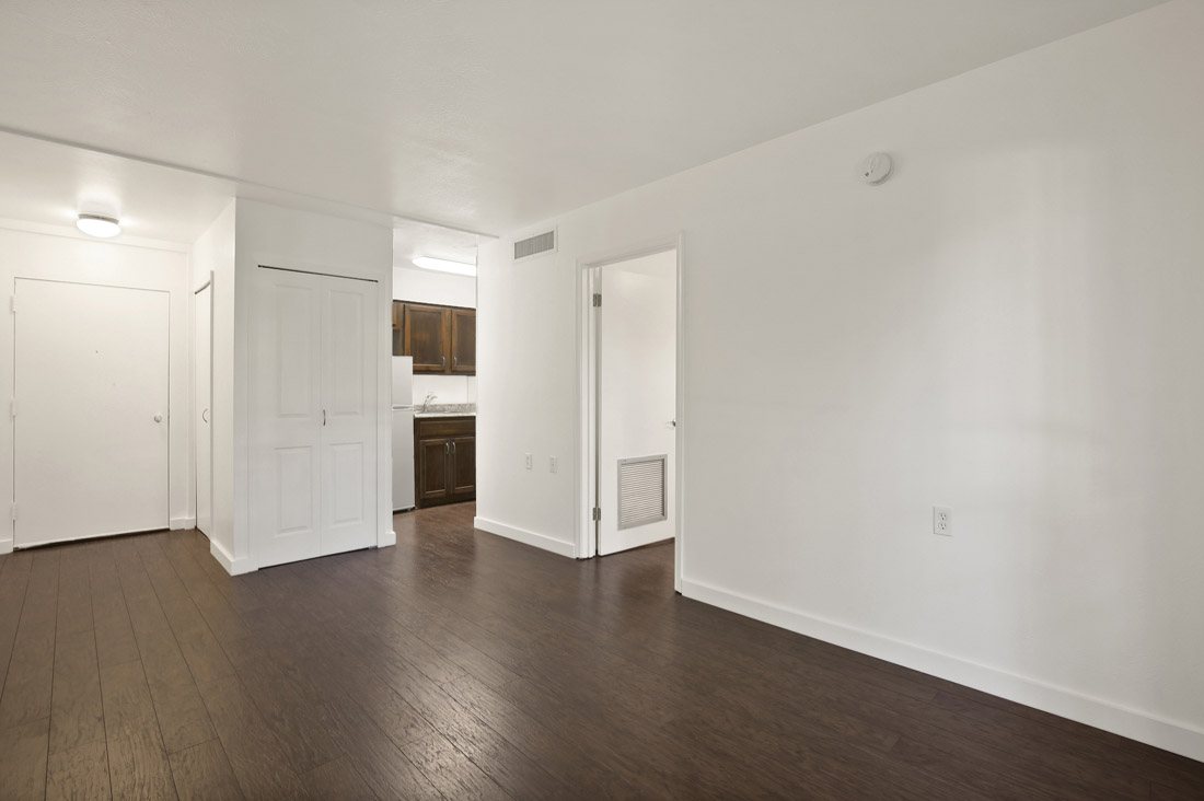 Efficiency Apartments for Rent at Forest Dale Apartments in Dallas, Texas