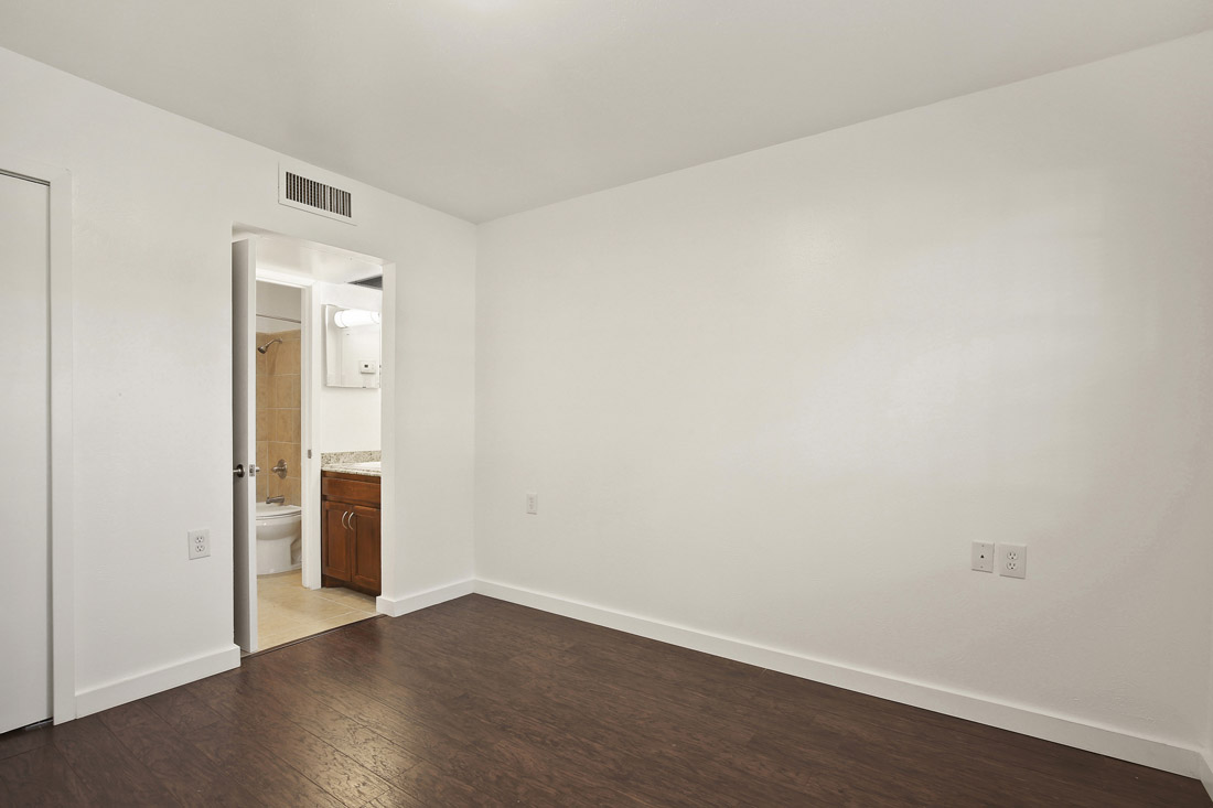 Senior Apartments for Rent at Forest Dale Apartments in Dallas, Texas