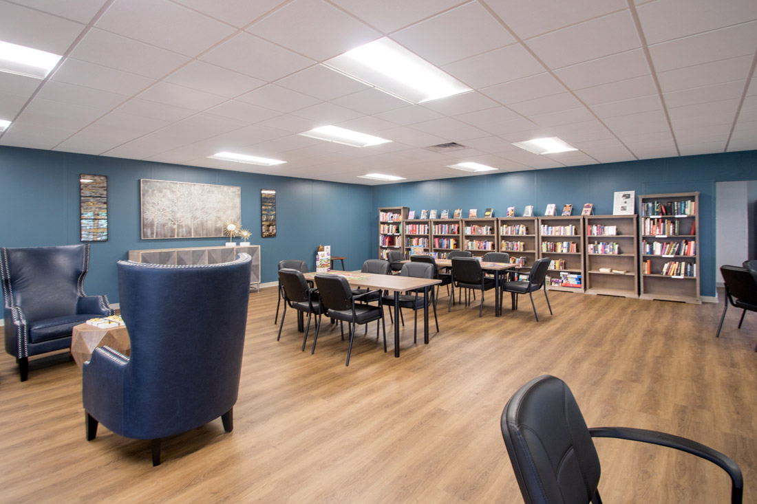 Community Library Room at Forest Dale Apartments in Dallas, Texas