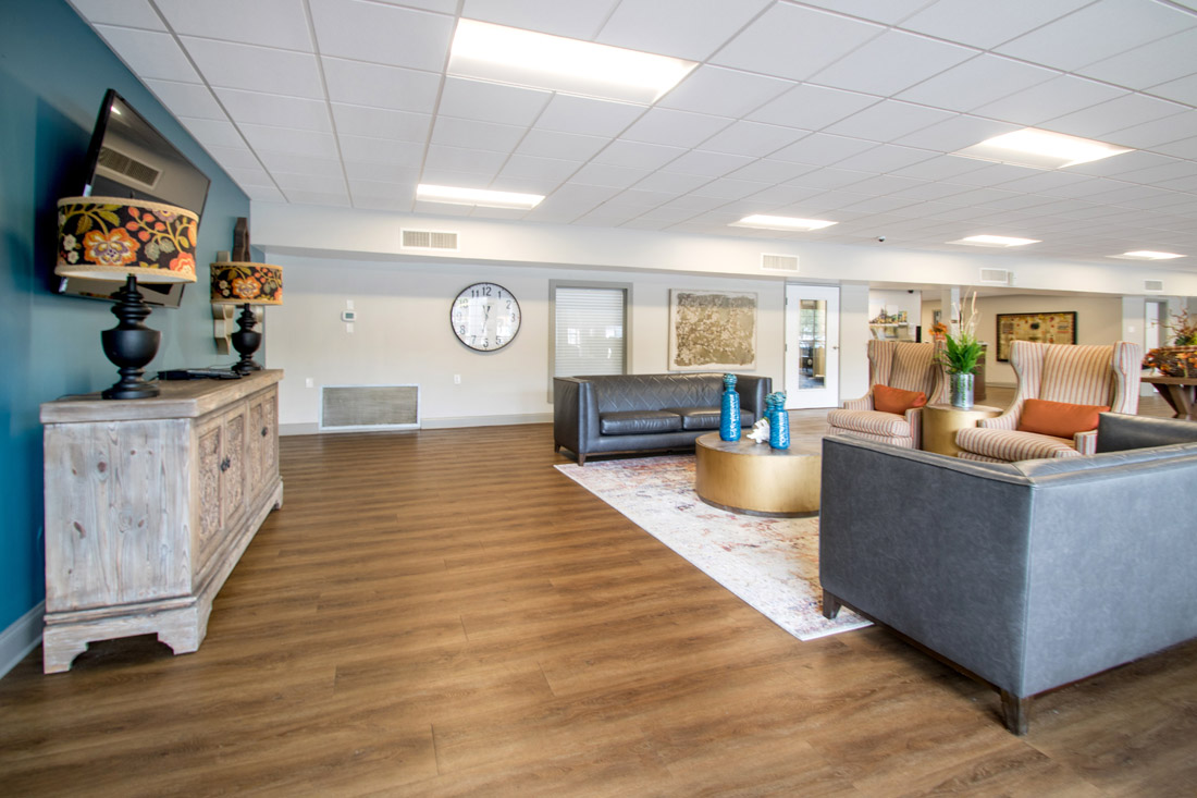 Comfortable Community Area at Forest Dale Apartments in Dallas, Texas