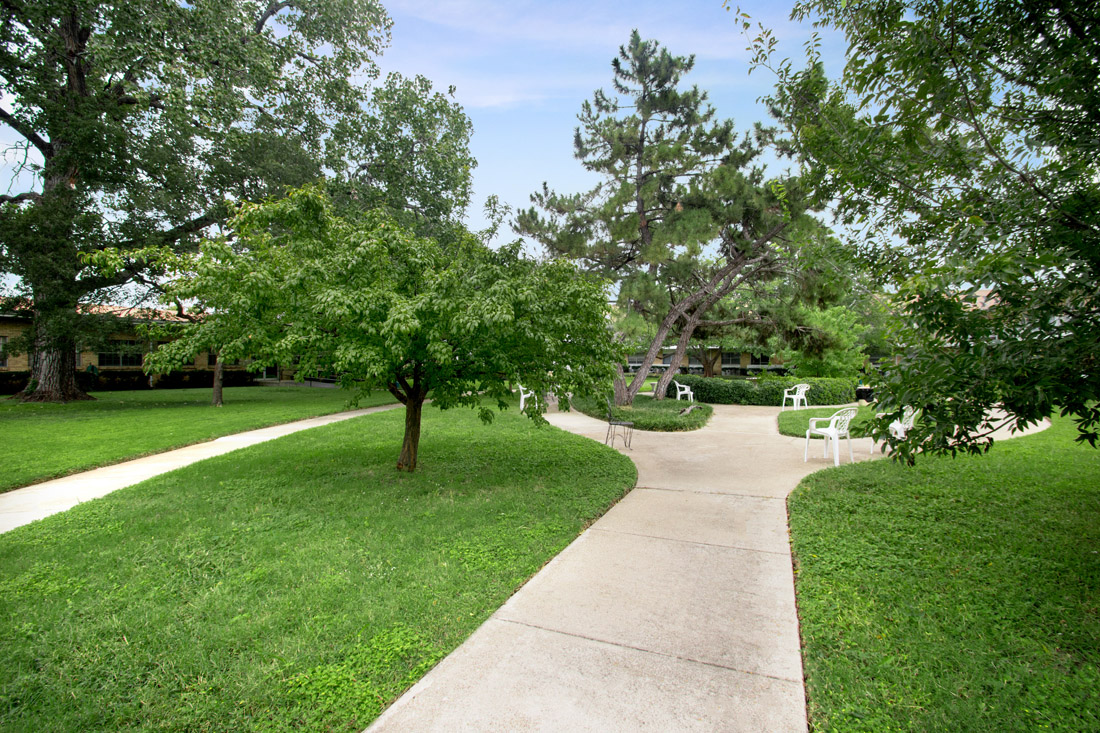 Lush Green Surroundings at Forest Dale Apartments in Dallas, Texas