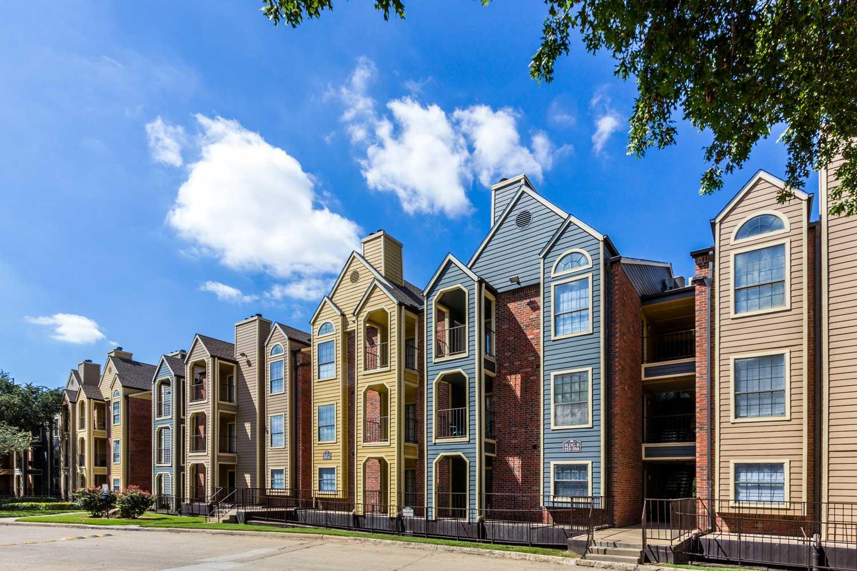 Urban Dallas Apartments for Rentat Forest Hills Apartments in Dallas, TX