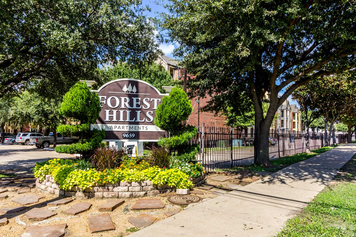 Professional On-Site Management at Forest Hills Apartments in Dallas, TX