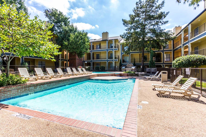 Premium Outdoor Amenitiesat Forest Hills Apartments in Dallas, TX
