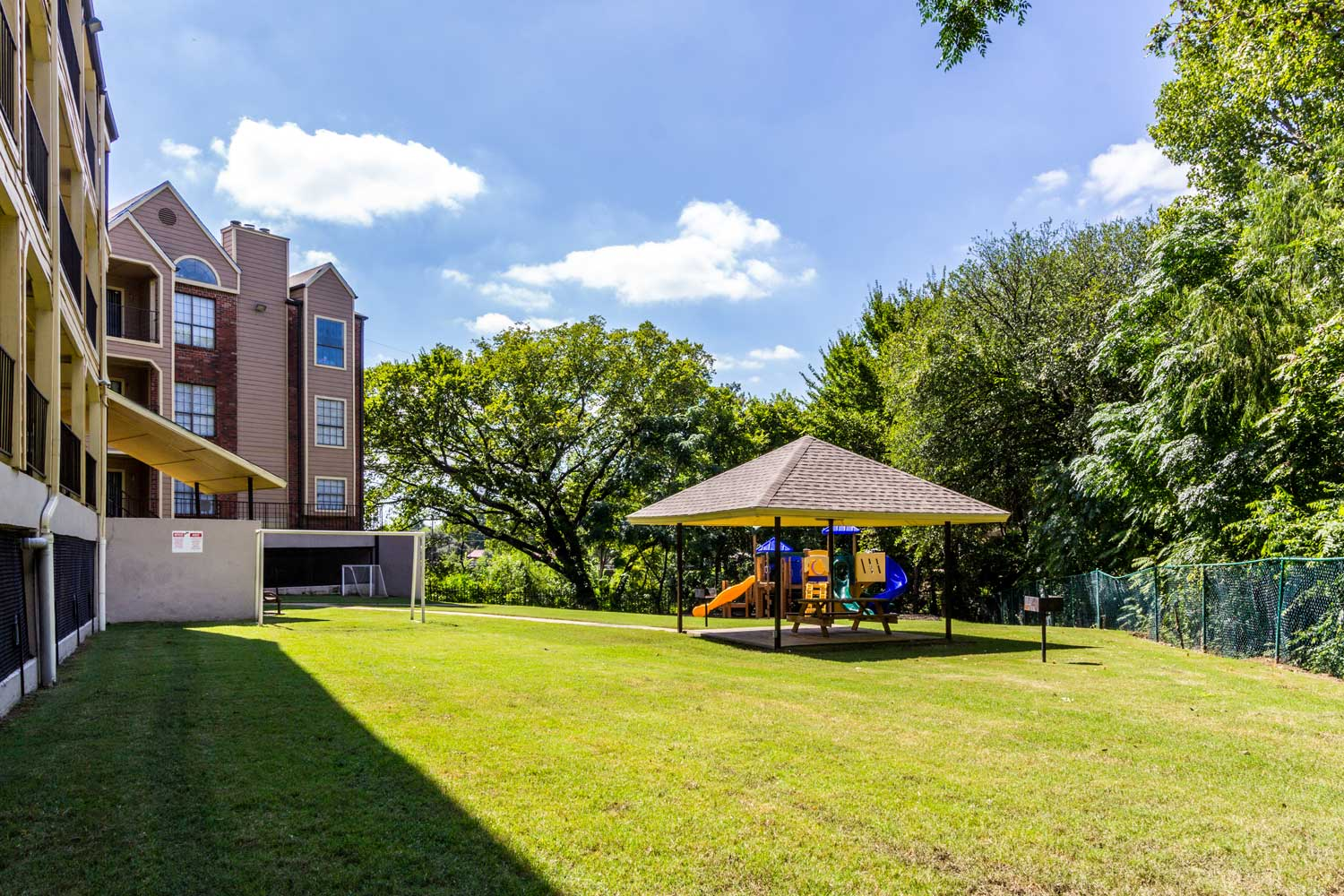 Gazebo at Forest Hills Apartments in Dallas, TX