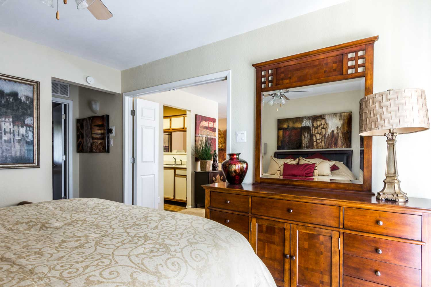 Two-Bedroom Apartments for Rentat Forest Hills Apartments in Dallas, TX