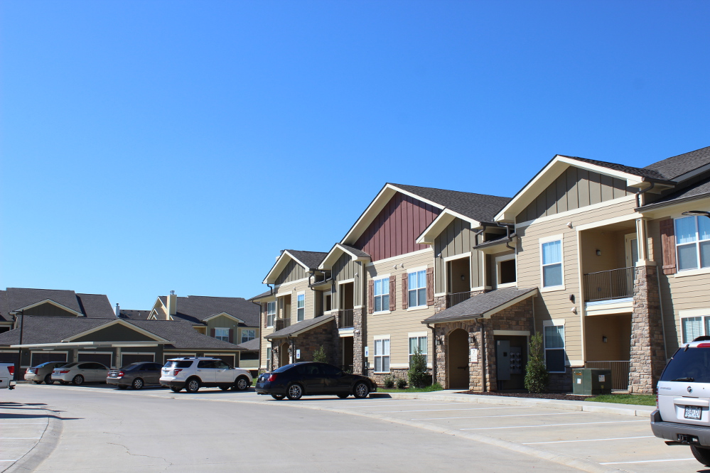 Exterior View at the Reserve at Fountainview Apartments in Saint Charles, MO