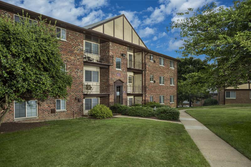 Spacious 1, 2, and 3-bedroom apartments at Gateway Square Apartments in Temple Hills, MD