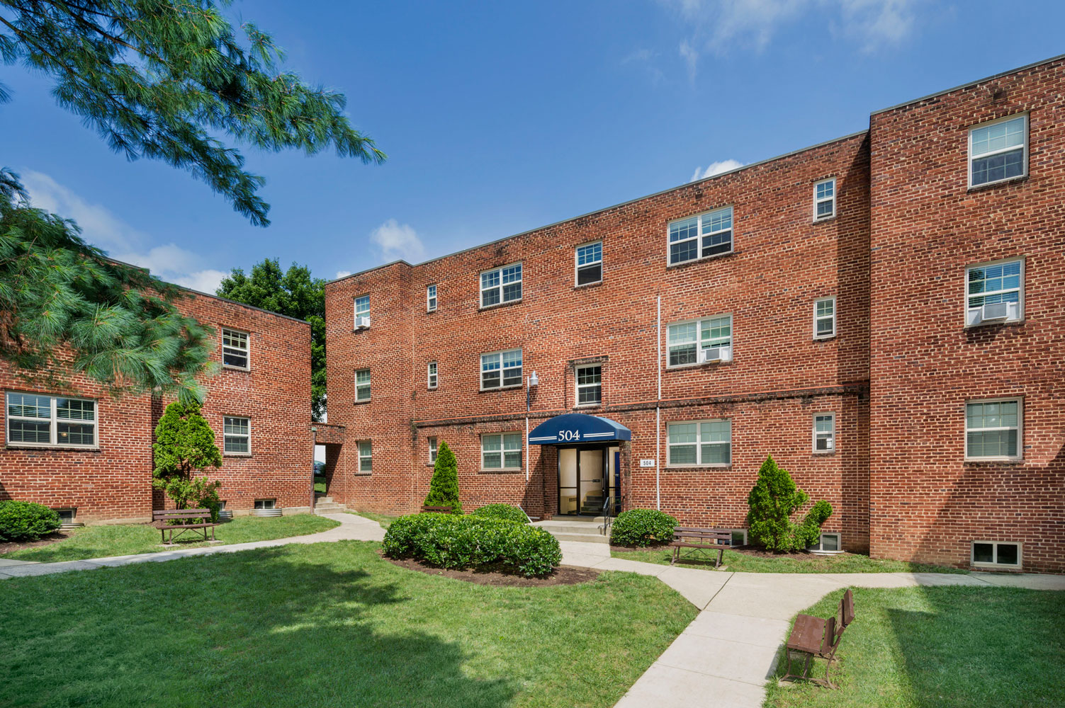 1 and 2-bedroom apartments at Goodacre & Pine Ridge Apartments in Silver Spring, MD