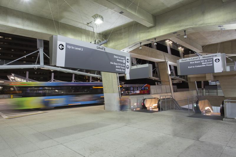 10 minutes to Silver Spring Transit Center w/Metrobus, Ride-On, VanGo & UMD Shuttle