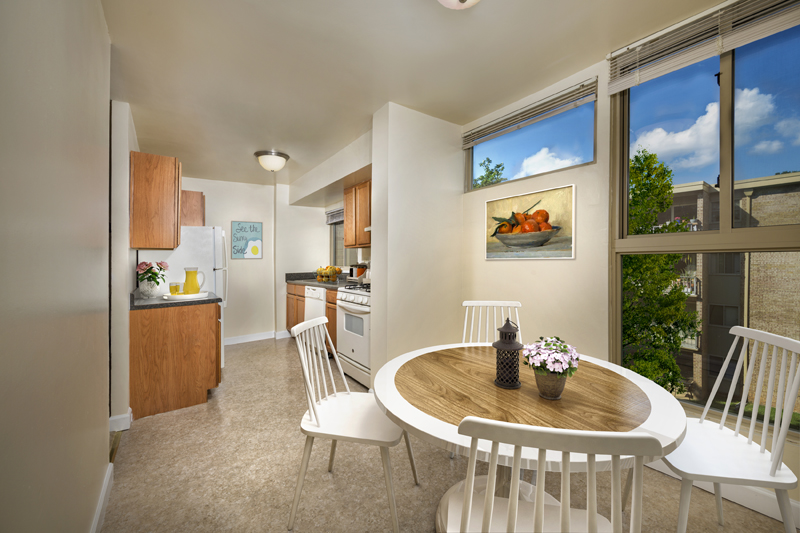 Extra flex area at Governor Square Apartments in Gaithersburg, MD