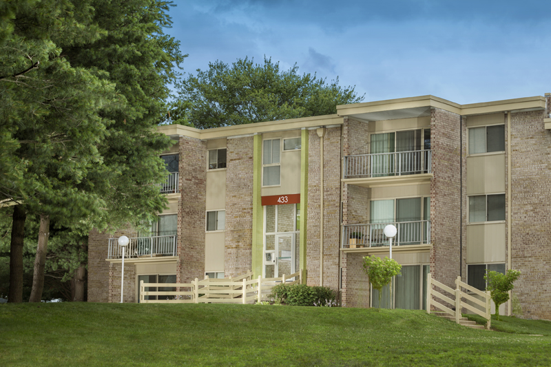 1, 2, and 3-bedroom apartments at Governor Square Apartments in Gaithersburg, MD
